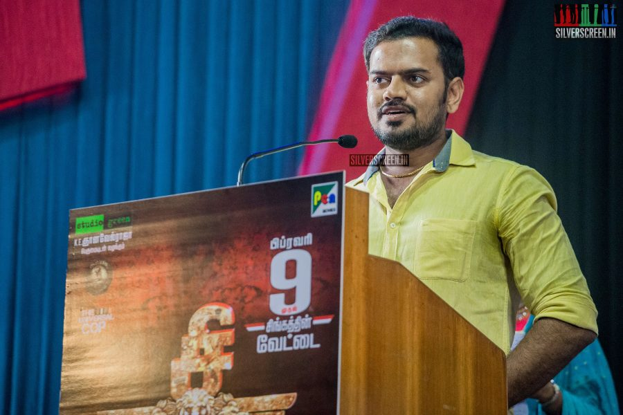singam-3-press-meet-photos-with-suriya-soori-kanal-kannan-ke-gnanavelraja-and-director-hari-photos-0017.jpg