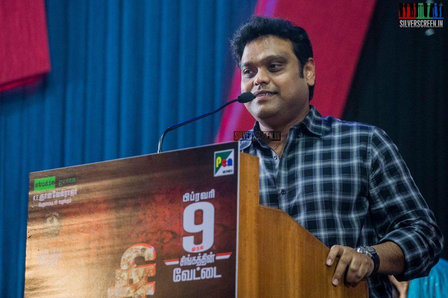 singam-3-press-meet-photos-with-suriya-soori-kanal-kannan-ke-gnanavelraja-and-director-hari-photos-0021.jpg