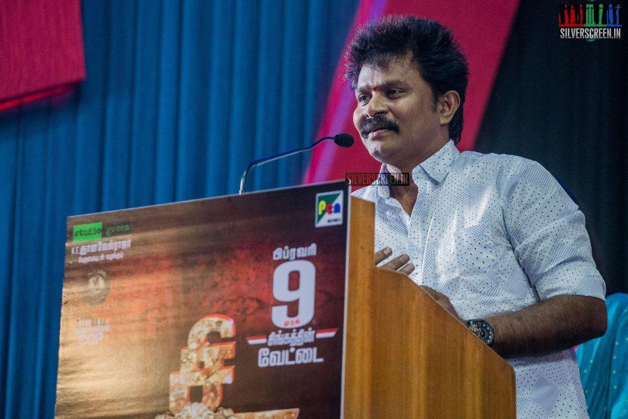 singam-3-press-meet-photos-with-suriya-soori-kanal-kannan-ke-gnanavelraja-and-director-hari-photos-0022.jpg