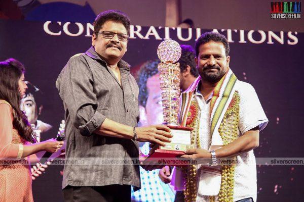 sivakarthikeyan-pc-sreeram-vikram-prabhu-sivakumar-p-bharathiraja-others-mgr-sivaji-academy-awards-2017-photos-0003.jpg