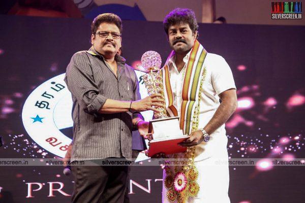sivakarthikeyan-pc-sreeram-vikram-prabhu-sivakumar-p-bharathiraja-others-mgr-sivaji-academy-awards-2017-photos-0004.jpg