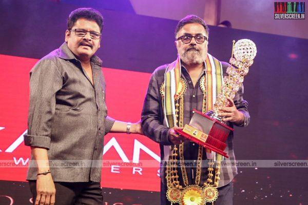sivakarthikeyan-pc-sreeram-vikram-prabhu-sivakumar-p-bharathiraja-others-mgr-sivaji-academy-awards-2017-photos-0007.jpg