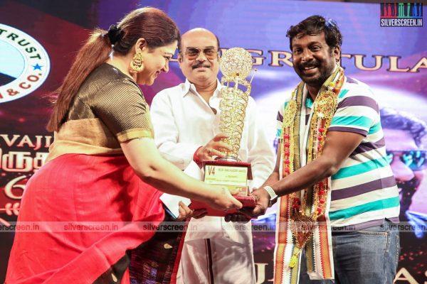 sivakarthikeyan-pc-sreeram-vikram-prabhu-sivakumar-p-bharathiraja-others-mgr-sivaji-academy-awards-2017-photos-0031.jpg