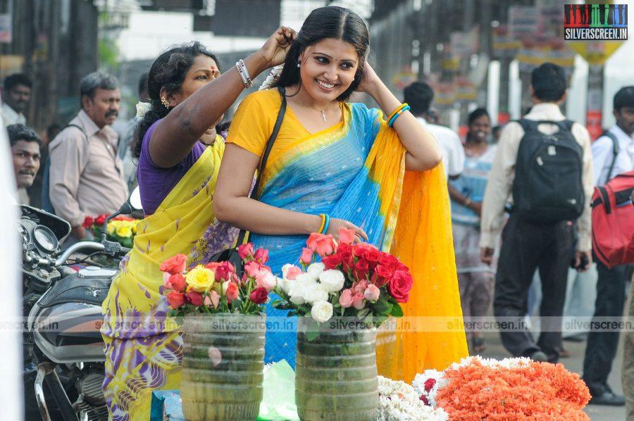 sivappu-enakku-pidikkum-movie-stills-starring-sandra-amy-directed-youreka-stills-0002.jpg