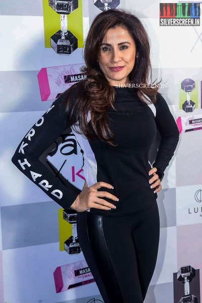in-pictures-amyra-dastur-akshara-haasan-and-others-at-the-launch-of-masaba-guptas-x-koovs-photos-0002.jpg
