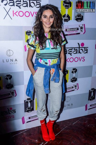 in-pictures-amyra-dastur-akshara-haasan-and-others-at-the-launch-of-masaba-guptas-x-koovs-photos-0003.jpg