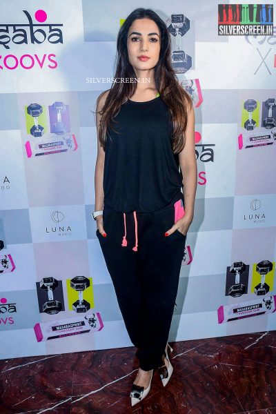 in-pictures-amyra-dastur-akshara-haasan-and-others-at-the-launch-of-masaba-guptas-x-koovs-photos-0016.jpg