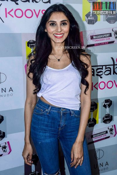 in-pictures-amyra-dastur-akshara-haasan-and-others-at-the-launch-of-masaba-guptas-x-koovs-photos-0019.jpg