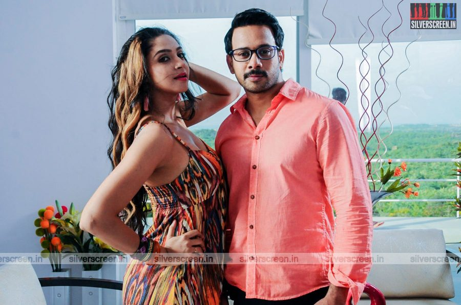 kadaisi-bench-karthi-movie-stills-starring-bharath-ruhani-sharma-angana-roy-stills-0017.jpg