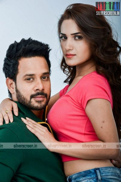 kadaisi-bench-karthi-movie-stills-starring-bharath-ruhani-sharma-angana-roy-stills-0018.jpg