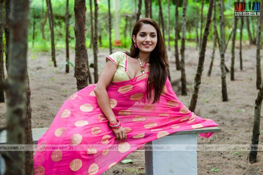 kadaisi-bench-karthi-movie-stills-starring-bharath-ruhani-sharma-angana-roy-stills-0034.jpg