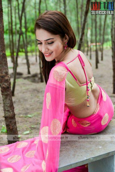 kadaisi-bench-karthi-movie-stills-starring-bharath-ruhani-sharma-angana-roy-stills-0035.jpg