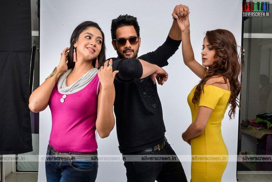 kadaisi-bench-karthi-movie-stills-starring-bharath-ruhani-sharma-angana-roy-stills-0058.jpg