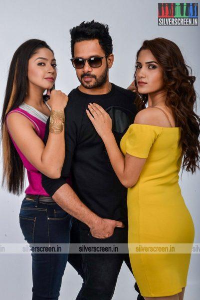 kadaisi-bench-karthi-movie-stills-starring-bharath-ruhani-sharma-angana-roy-stills-0059.jpg