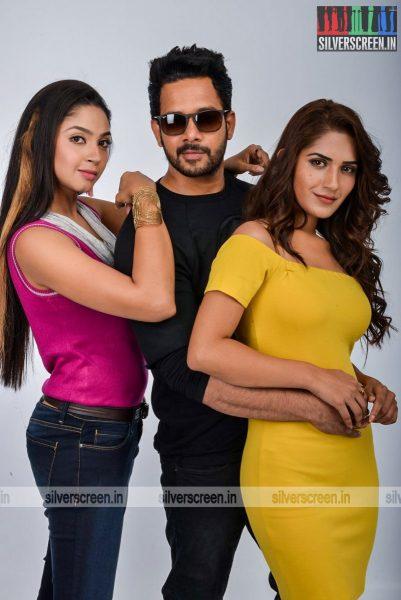 kadaisi-bench-karthi-movie-stills-starring-bharath-ruhani-sharma-angana-roy-stills-0060.jpg
