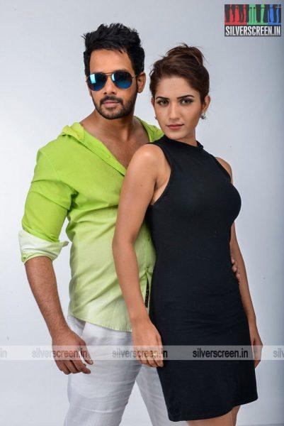 kadaisi-bench-karthi-movie-stills-starring-bharath-ruhani-sharma-angana-roy-stills-0062.jpg