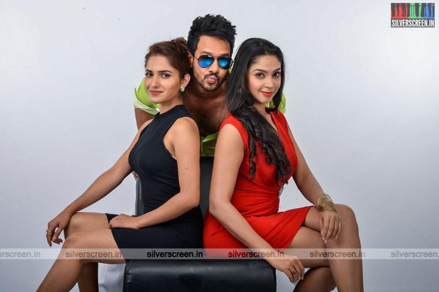 kadaisi-bench-karthi-movie-stills-starring-bharath-ruhani-sharma-angana-roy-stills-0069.jpg