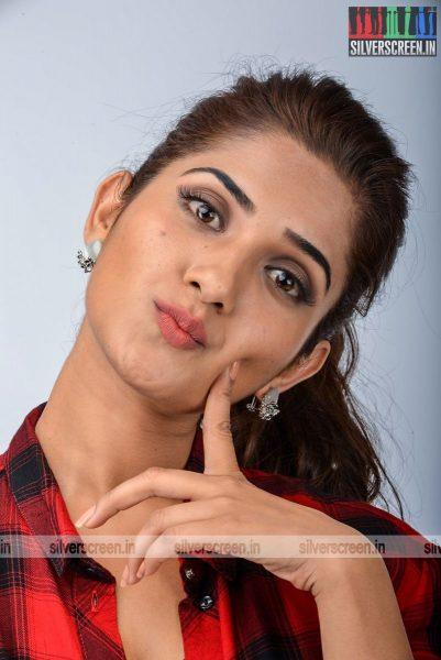kadaisi-bench-karthi-movie-stills-starring-bharath-ruhani-sharma-angana-roy-stills-0076.jpg