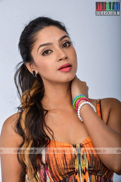 kadaisi-bench-karthi-movie-stills-starring-bharath-ruhani-sharma-angana-roy-stills-0081.jpg
