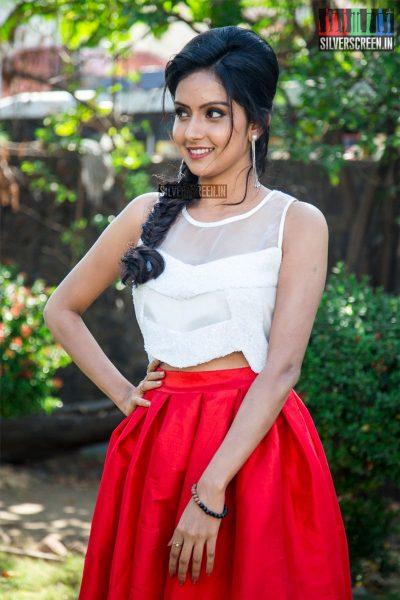 pictures-kuttram-23-press-meet-arun-vijay-mahima-nambiar-photos-0004.jpg