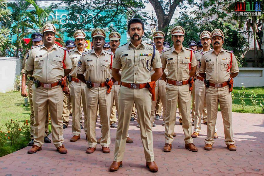 singam-3-movie-stills-starring-suriya-anushka-shetty-shruti-haasan-photos-0013.jpg