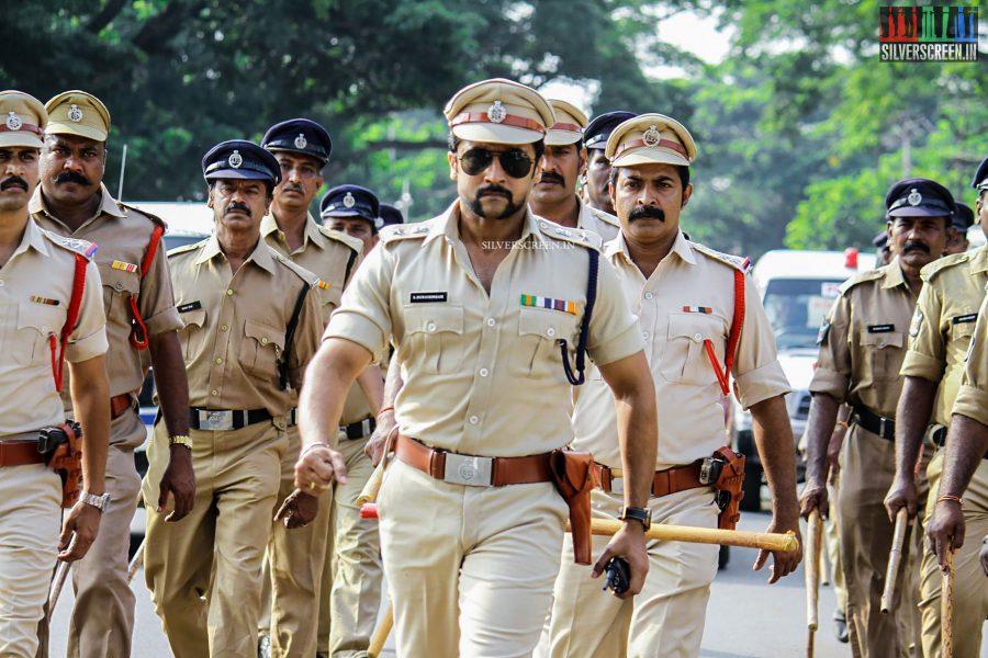 singam-3-movie-stills-starring-suriya-anushka-shetty-shruti-haasan-photos-0043.jpg