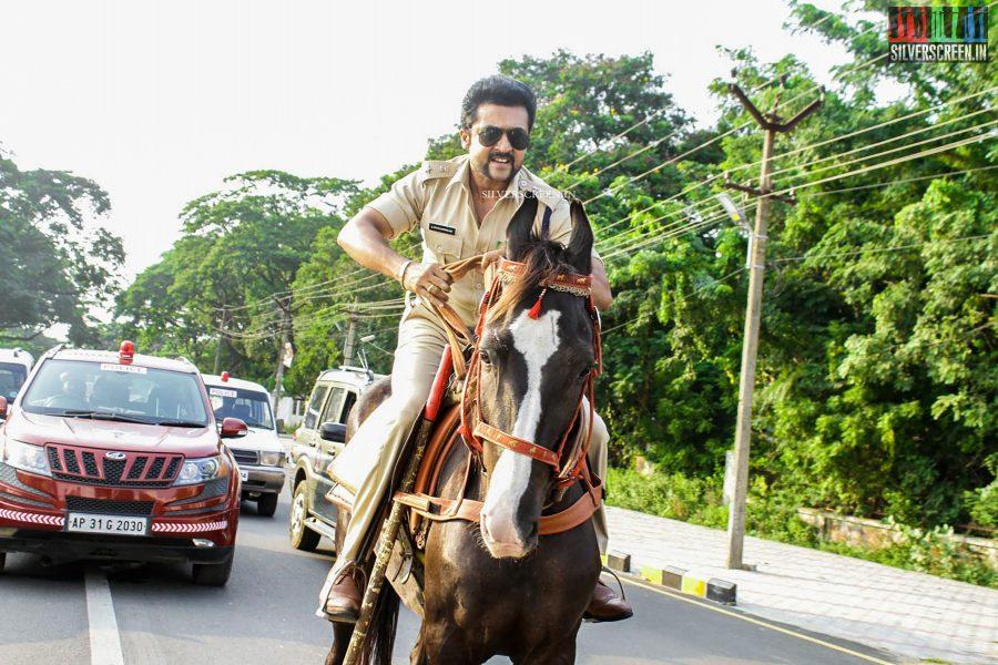 singam-3-movie-stills-starring-suriya-anushka-shetty-shruti-haasan-photos-0044.jpg