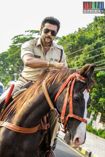 singam-3-movie-stills-starring-suriya-anushka-shetty-shruti-haasan-photos-0045.jpg