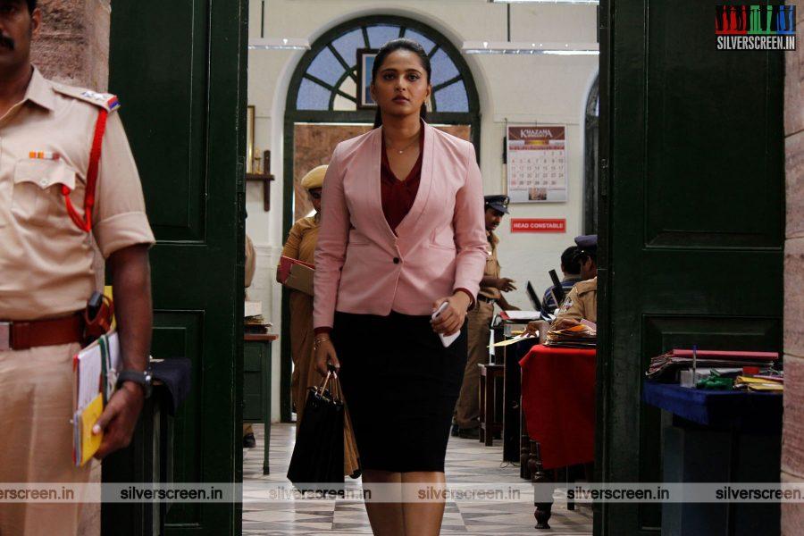 singam-3-movie-stills-starring-suriya-anushka-shetty-shruti-haasan-stills-0075.jpg