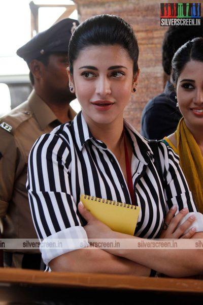 singam-3-movie-stills-starring-suriya-anushka-shetty-shruti-haasan-stills-0076.jpg