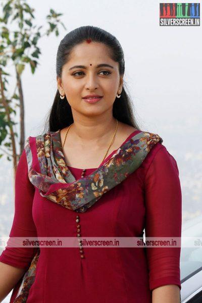 singam-3-movie-stills-starring-suriya-anushka-shetty-shruti-haasan-stills-0077.jpg