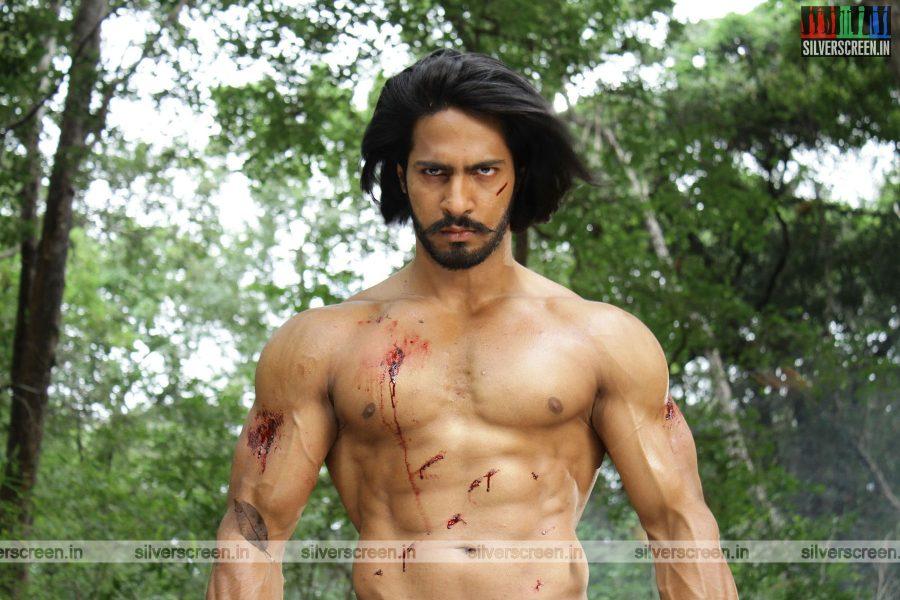 singam-3-movie-stills-starring-suriya-anushka-shetty-shruti-haasan-stills-0088.jpg