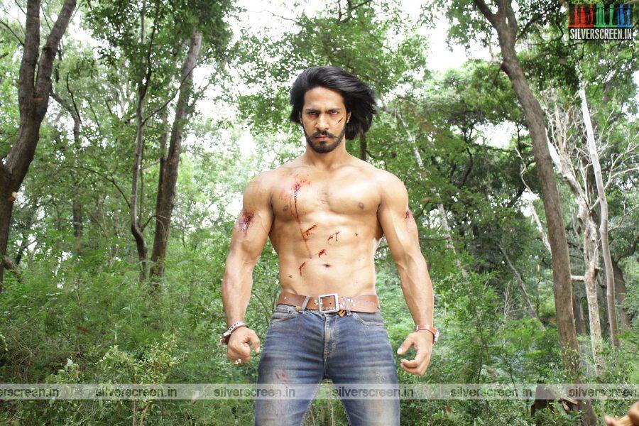 singam-3-movie-stills-starring-suriya-anushka-shetty-shruti-haasan-stills-0089.jpg