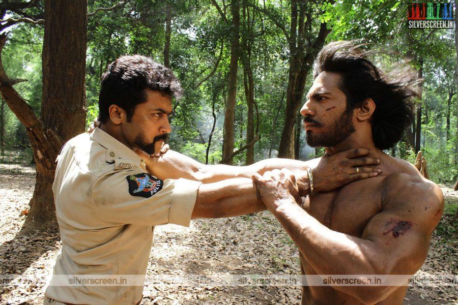 singam-3-movie-stills-starring-suriya-anushka-shetty-shruti-haasan-stills-0094.jpg