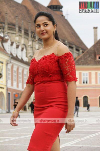 singam-3-movie-stills-starring-suriya-anushka-shetty-shruti-haasan-stills-0100.jpg