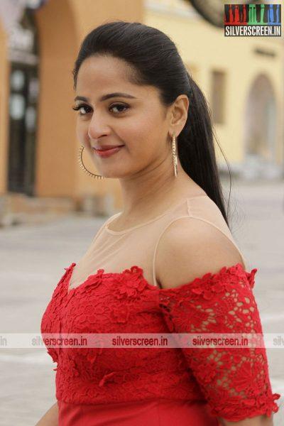 singam-3-movie-stills-starring-suriya-anushka-shetty-shruti-haasan-stills-0101.jpg