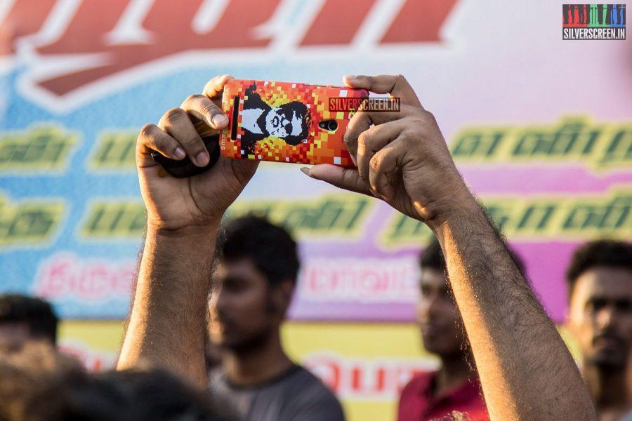 baasha-re-release-celebrations-photos-0014.jpg