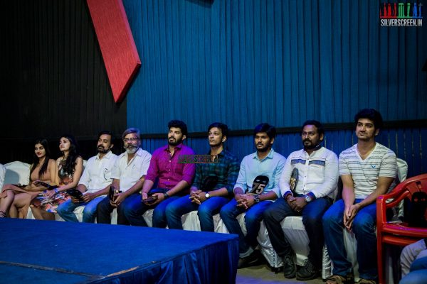 pictures-dhuruvangal-pathinaaru-success-meet-rahman-gautham-menon-director-karthick-naren-photos-0032.jpg