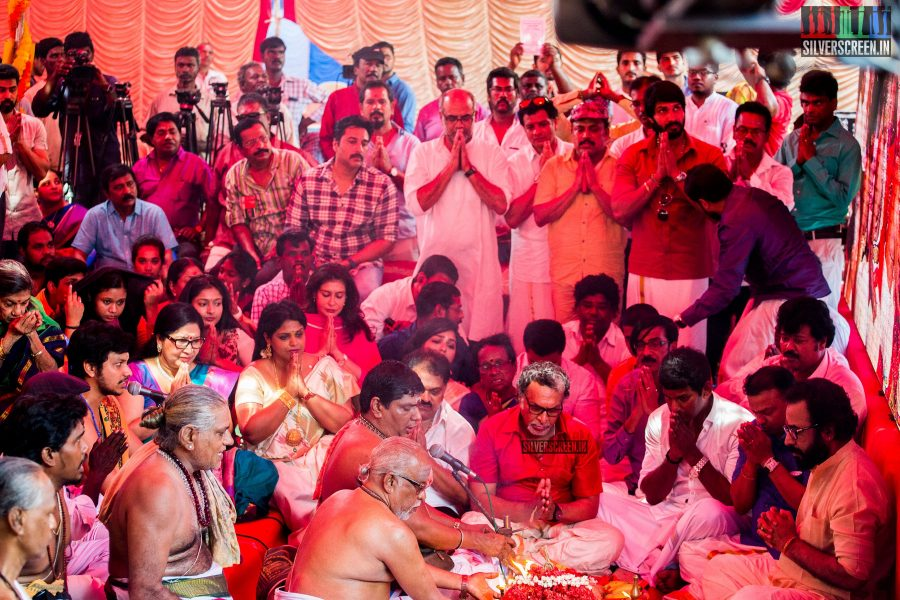 rajinikanth-kamal-haasan-sivakarthikeyan-suriya-and-others-at-the-foundation-ceremony-of-the-nadigar-sangam-photos-0005.jpg