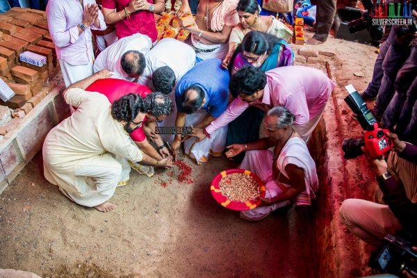 rajinikanth-kamal-haasan-sivakarthikeyan-suriya-and-others-at-the-foundation-ceremony-of-the-nadigar-sangam-photos-0009.jpg