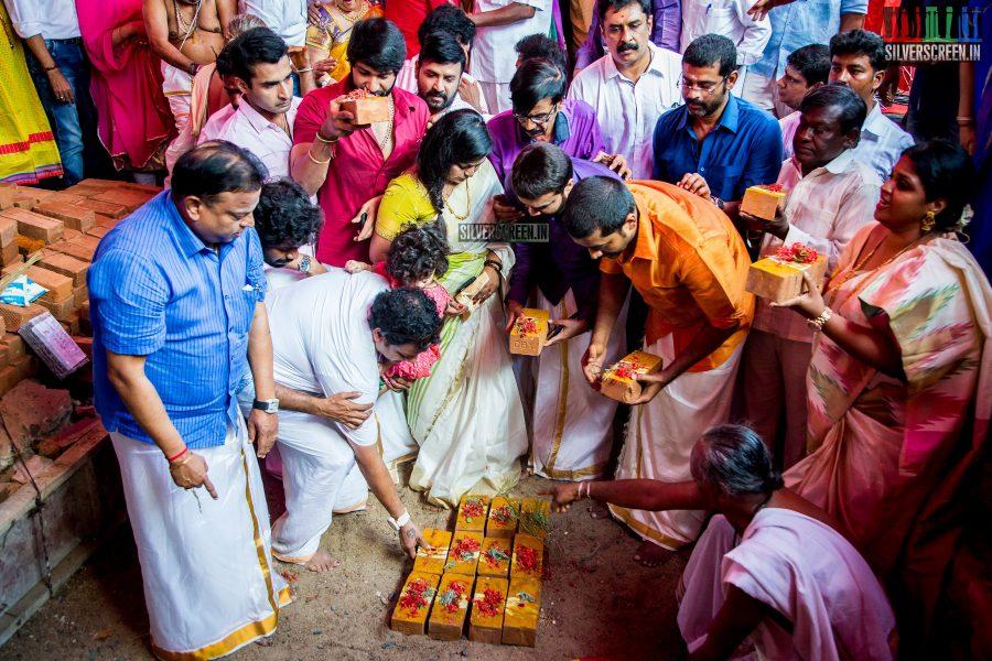 rajinikanth-kamal-haasan-sivakarthikeyan-suriya-and-others-at-the-foundation-ceremony-of-the-nadigar-sangam-photos-0012.jpg
