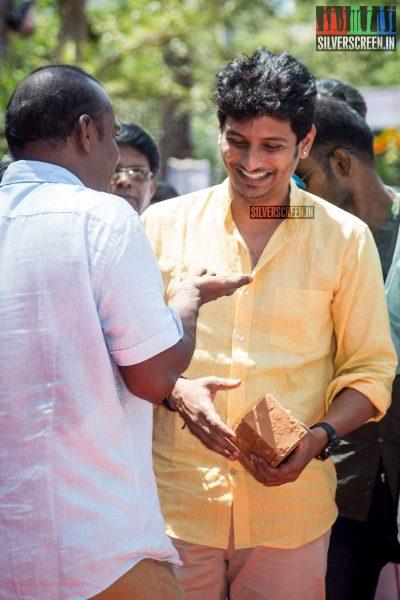rajinikanth-kamal-haasan-sivakarthikeyan-suriya-and-others-at-the-foundation-ceremony-of-the-nadigar-sangam-photos-0058.jpg