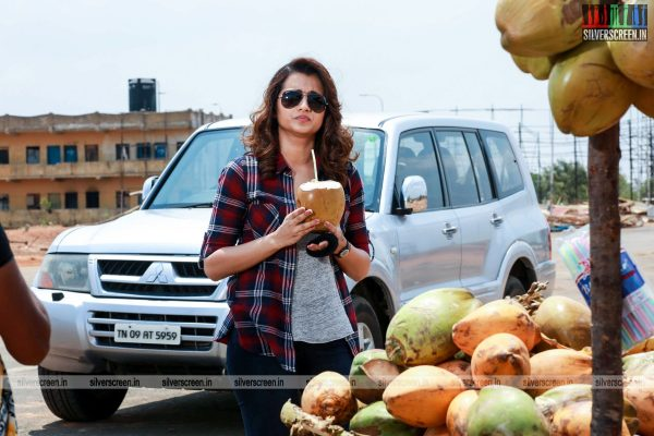 garjanai-movie-stills-starring-trisha-krishnan-photos-0007.jpg