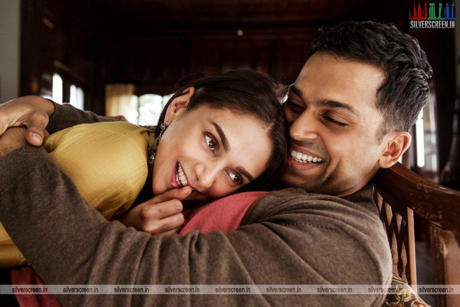 kaatru-veliyidai-movie-stills-starring-karthi-sivakumar-aditi-rao-hydari-stills-0006.jpg
