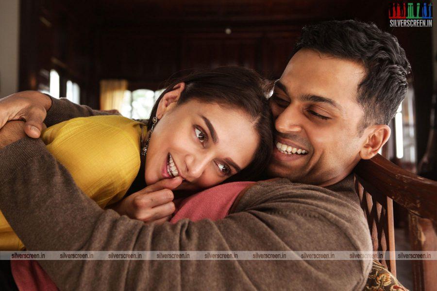 kaatru-veliyidai-movie-stills-starring-karthi-sivakumar-aditi-rao-hydari-stills-0022.jpg