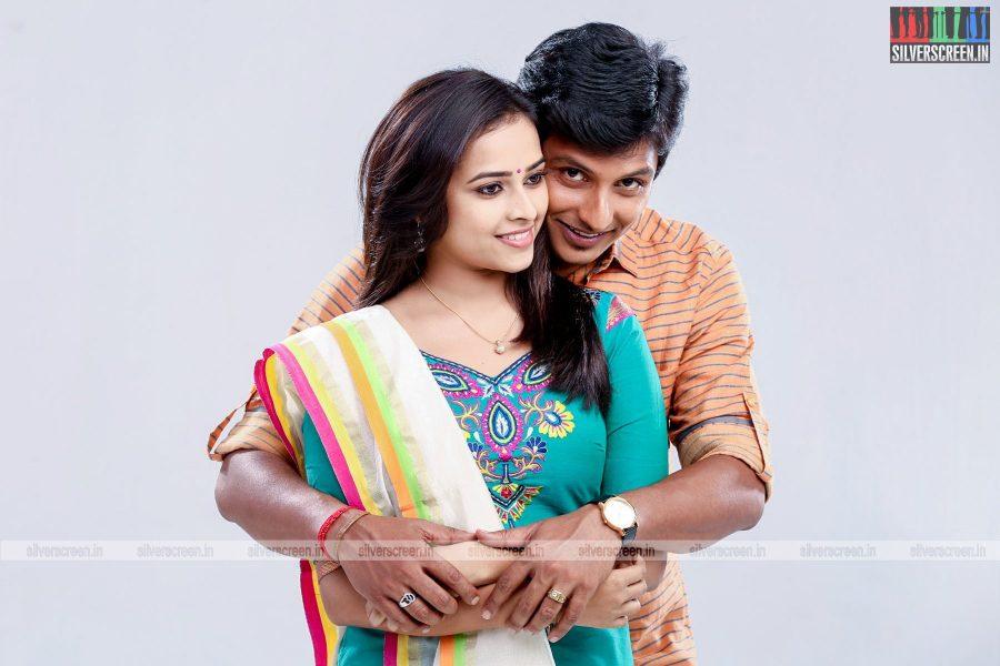 sangili-bungili-kadhava-thorae-movie-stills-starring-jiiva-sri-divya-stills-0001.jpg