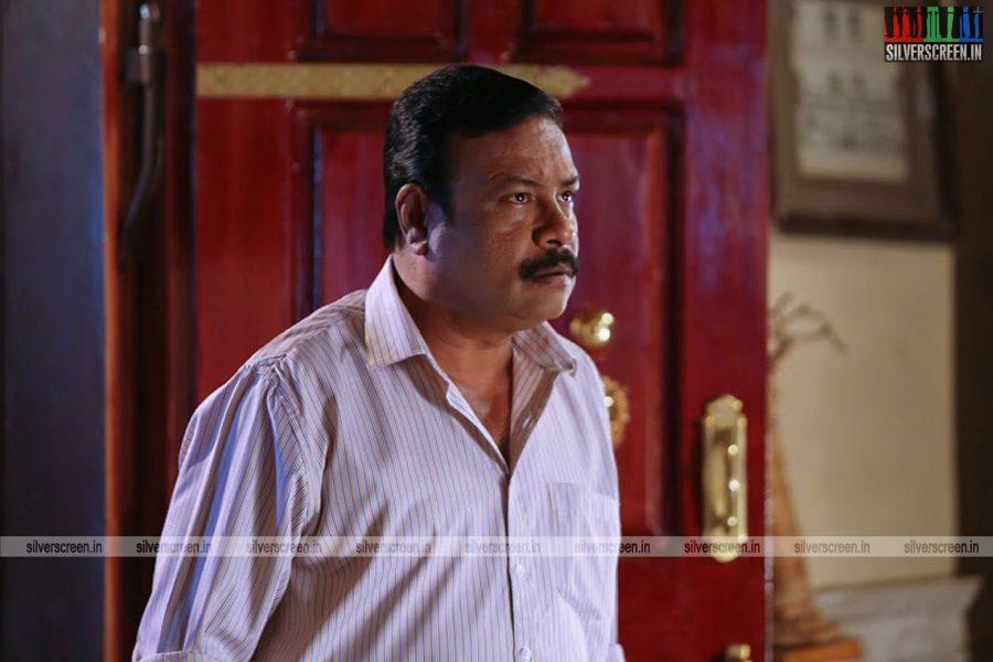 sangili-bungili-kadhava-thorae-movie-stills-starring-jiiva-sri-divya-stills-0006.jpg