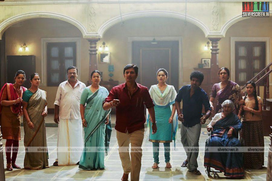 sangili-bungili-kadhava-thorae-movie-stills-starring-jiiva-sri-divya-stills-0012.jpg
