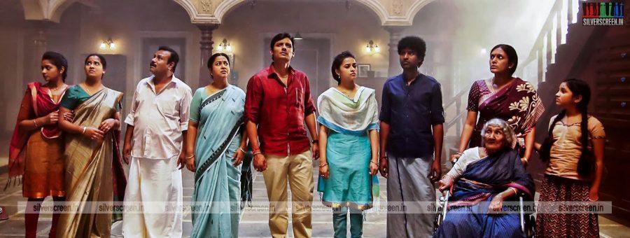 sangili-bungili-kadhava-thorae-movie-stills-starring-jiiva-sri-divya-stills-0015.jpg