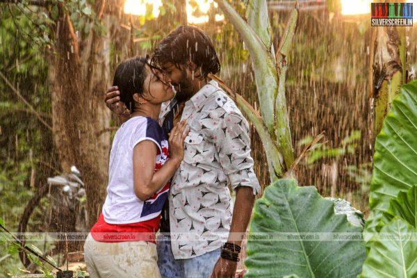 theru-naaigal-movie-stills-0002.jpg